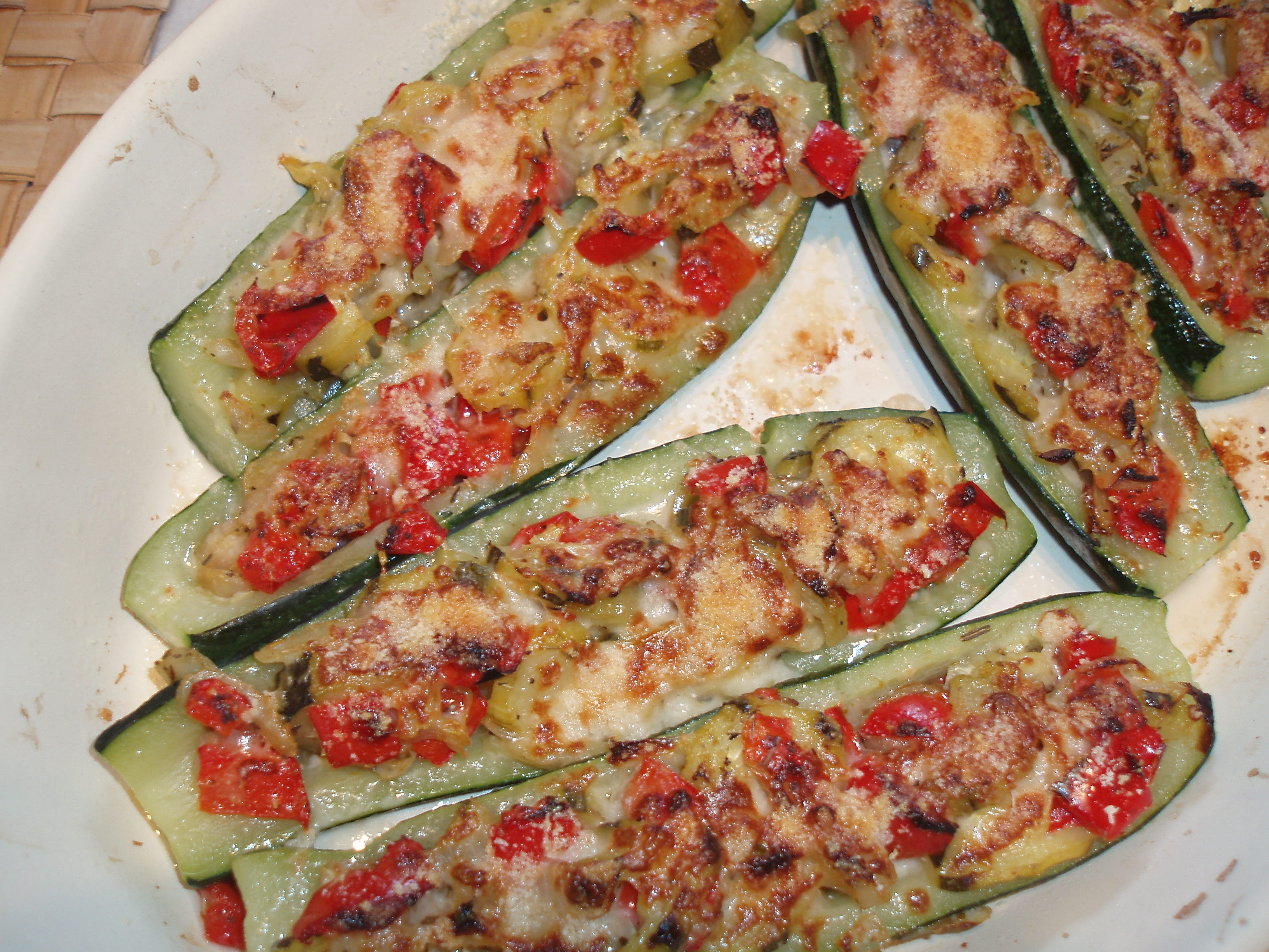 recette de courgettes farcies aux l gumes le blog d. Black Bedroom Furniture Sets. Home Design Ideas