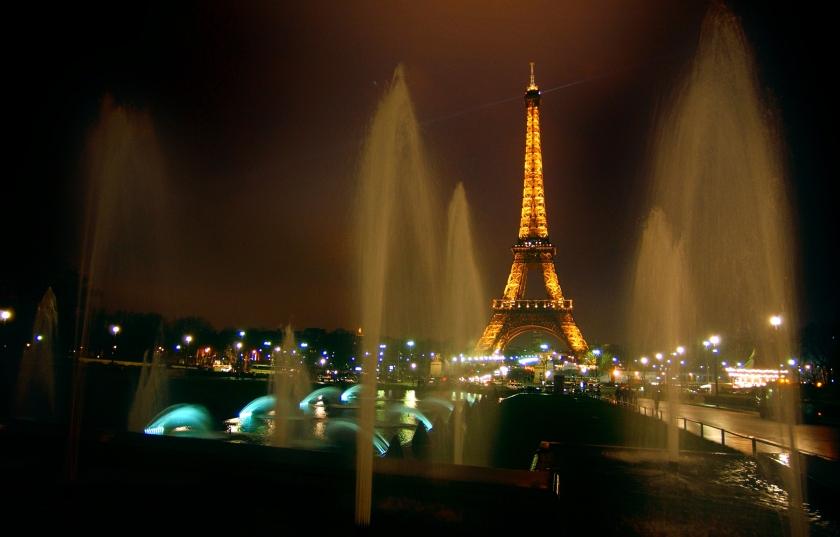 la ville et ses lumières artificielles